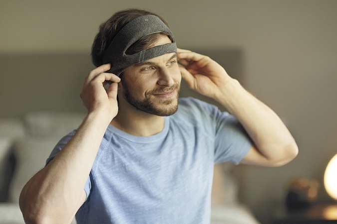 Video: Philips Launched A Smart Headband For People Who Do Not Get Enough Sleep 1