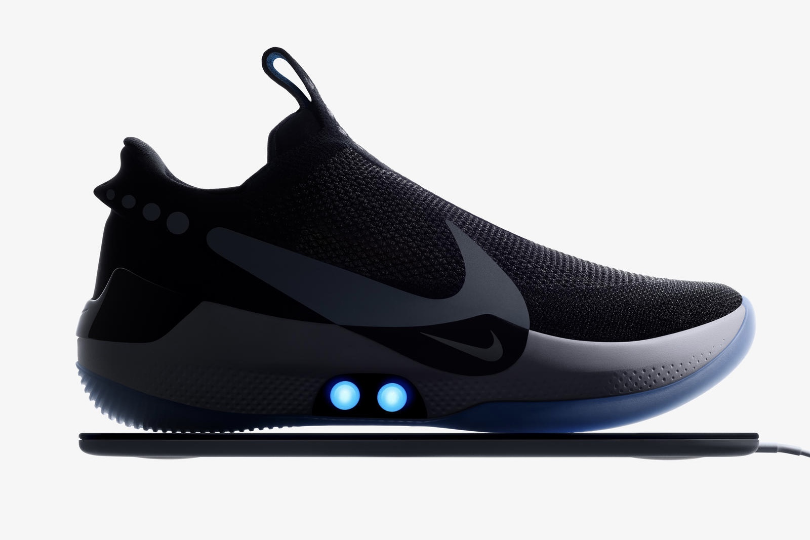 NIKE Now Has A Self-Lacing Sneaker