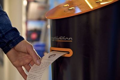 A Machine That Prints Free Short Stories For You To Read While You Wait!