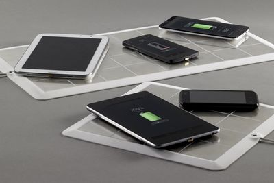 Video: Check Out This Sticker That Wirelessly Charges Your Smartphone Or Tablet!