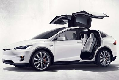 Video: Tesla's Model X Gets Hacked, But It Is For A Good Cause!