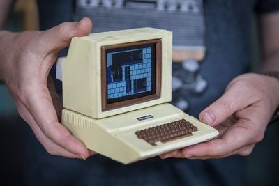 Video: How To Build A Mini Apple Ii Replica!
