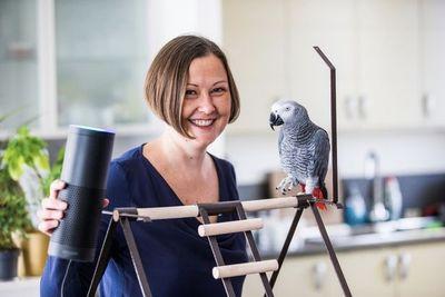 Amazon's Voice Assistant Alexa Gets Fooled By A Pet Parrot!