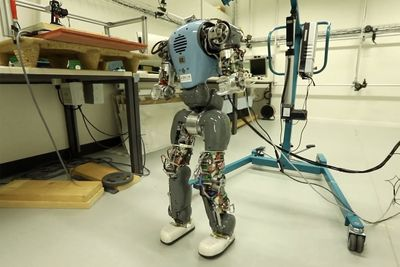 Video: These Robots Can Walk Like Humans!