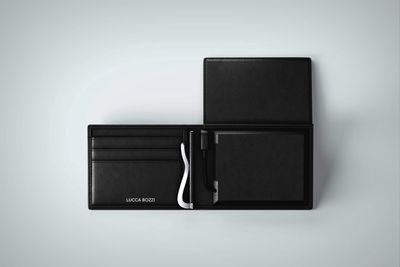 Video: A Wallet That Stores Energy And Money!