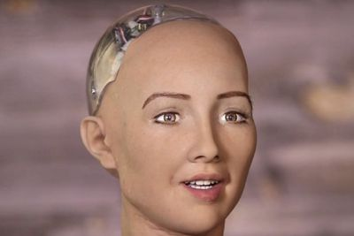 Video: Creepy Life-like Robot, Sophia, Finally Get Legs