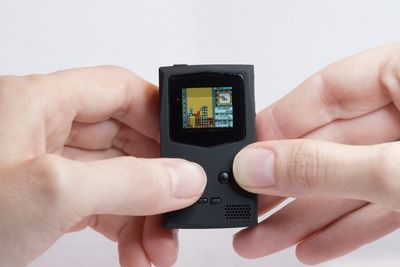 Video: Pocketsprite Game Console Takes Gaming Wherever You Go