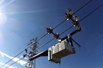 The Expliner Robot Inspects High Voltage Transmission Lines