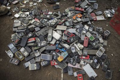 The Metal in a Smartphone is a Waste to the Environment