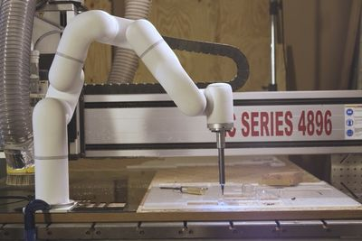 This Robot Arm Was Designed To Assist Smaller Businesses