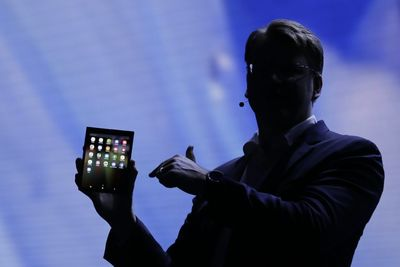 Samsung's 'Folding' Smartphone Will Cost You
