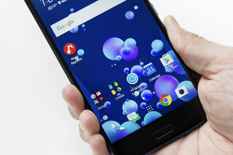 Video: Are Squeezable Smartphones A Thing Of The Future? 1