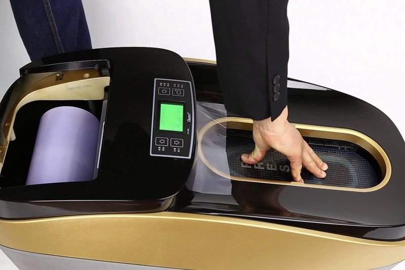 Video: This Machine Wraps Your Shoes With Plastic! 1