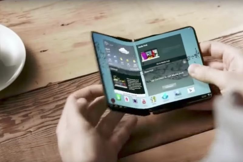 Video: Samsung Hopes To Release A Foldable Smartphone... 1