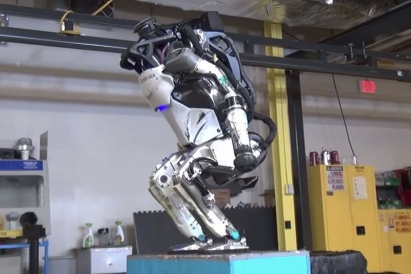 Video: The Atlas Robot Shows Off Its Backflip Skills 1