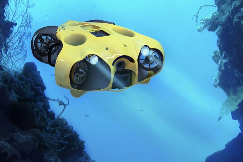Video: A Submarine Drone That Follows You Around Underwater 1