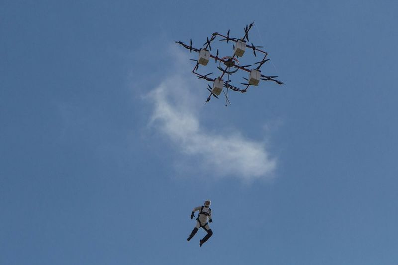 Video: Drones That Cleans Turbines Could Save Lives In The Future 1