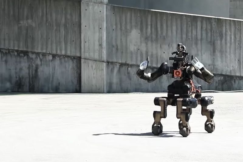 Introducing The Four Legged Centauro Robot 1