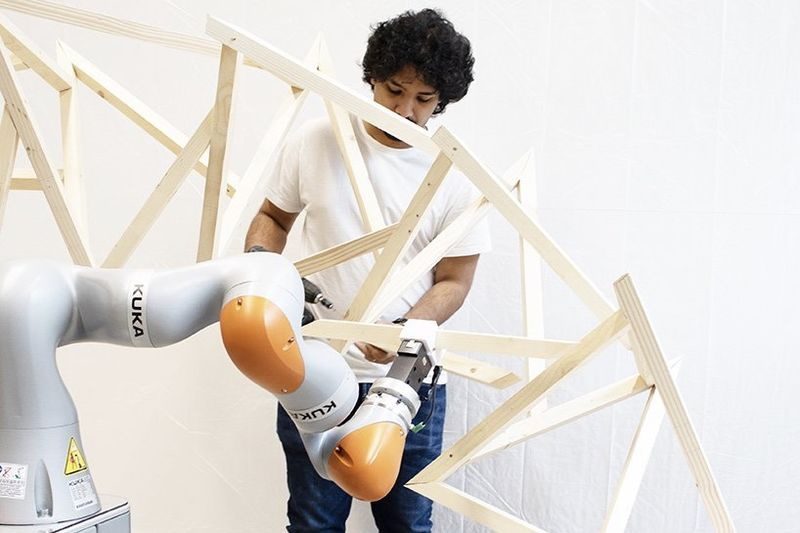 There Is Robot That Can Build Complex Structures 1