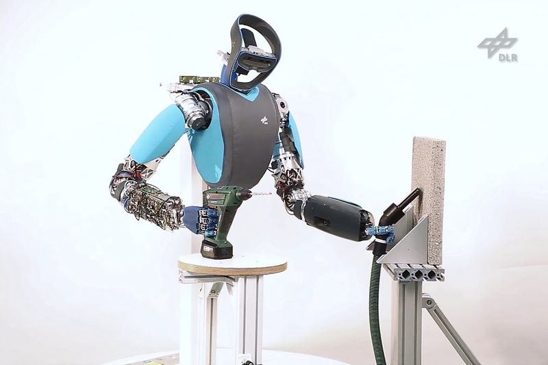 This Robot Can Now Drill Into Concrete Walls 1