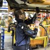 Video-Exoskeleton-Helps-Ford-Workers-Reach-Higher